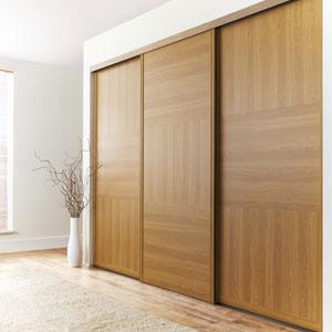 Changer les porte du placard en portes coulissantes for Rails portes coulissantes suspendues